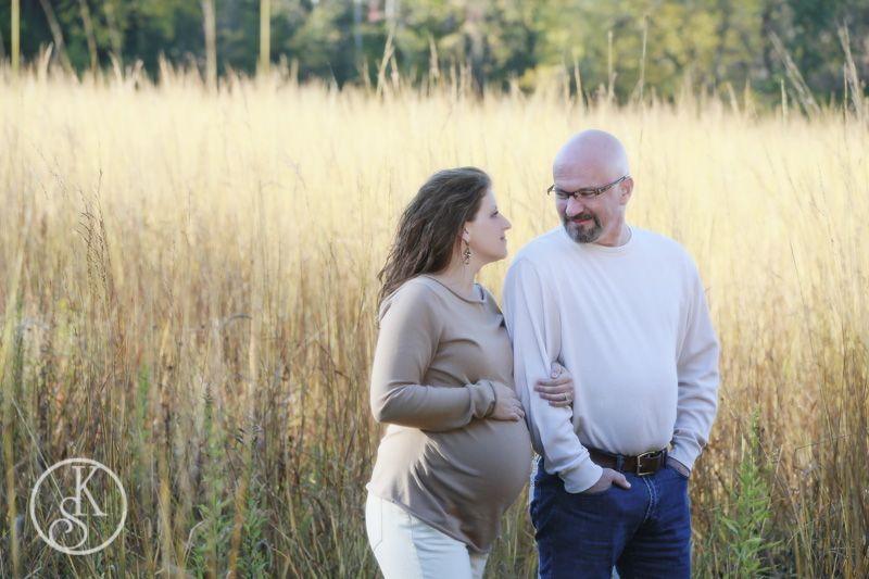 maternity on location in field in color